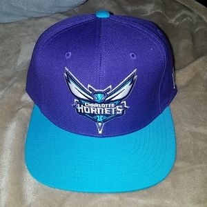Mitchell & Ness Accessories - 🧢2for15🧢 Hornets cap (snapback)